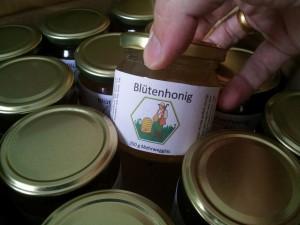 Dutzend Honige im Ankaufsglas hier zu 250g