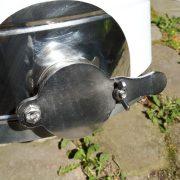 Quetschhahn an 50 kg Honighobbock