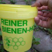 Gelber Honigeimer für ein Kilo