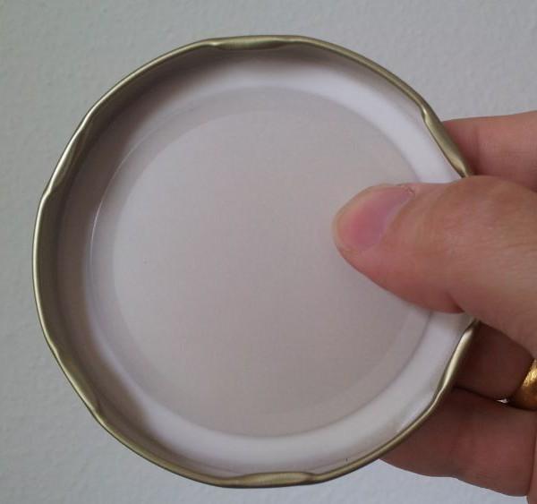Innensicht Golddeckel zu 500 g Honig Glas