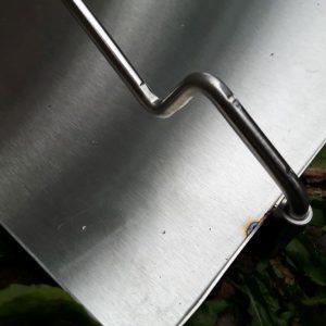 Steckverbindung mit soliger Aufnahme für den Rähmchenbügel